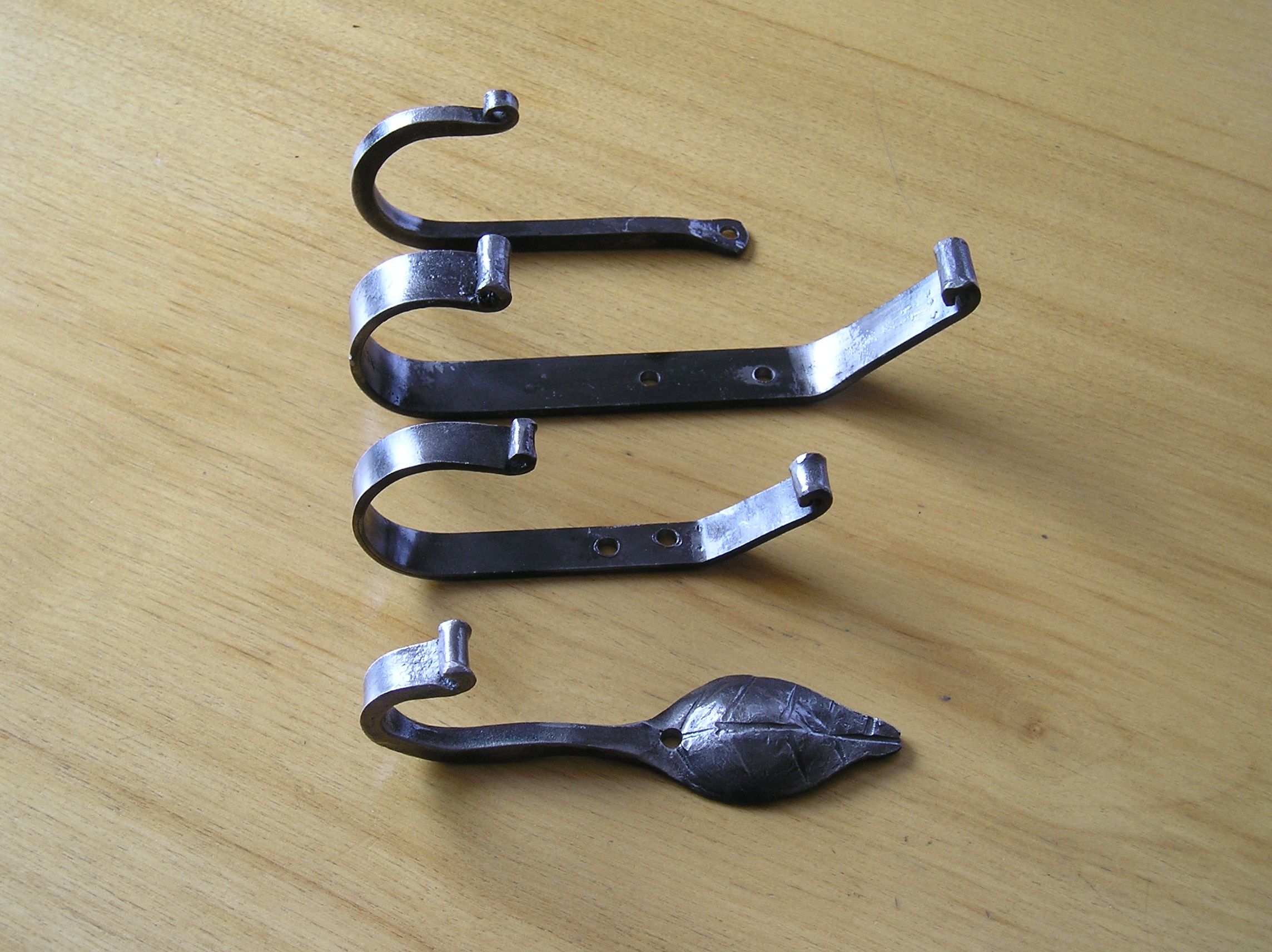 assorted small hooks